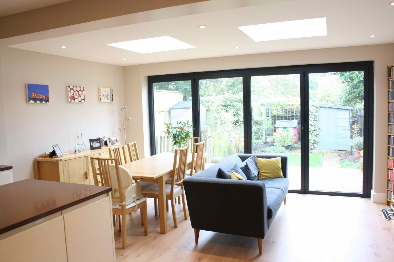The Owners Of This South West London Home Have Added A Flat Roof Extension  To Their Home To Create A Spacious And Light Kitchen Diner.